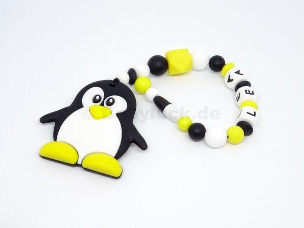 Greifling mit Name, Pinguin, Silikon, dpa frei, Babyluck.de, Babyluck
