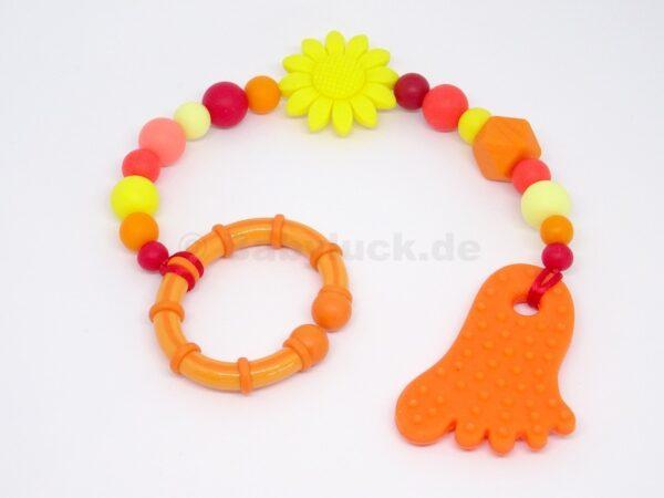 Maxicosikette, Maxicosi Kette mit Fuß und Blüte, orange, rot, gelb, mit Name (optional), Silikon, Teether, Babyluck