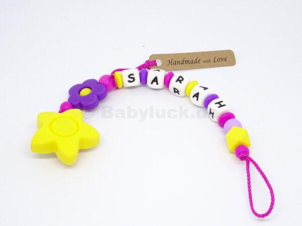 Schnullerkette mit Name und Blume, violett, Pink, Gelb, Mädchen, Babyluck.de,